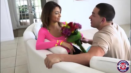 Jade Jantzen spreads legs on the couch for missionary