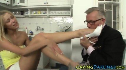 Nice ass babe gets cum