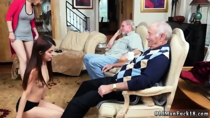 Old man fucks mom and duddy chum s daughter dating daddy Maximas Errectis