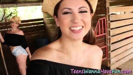 Teen lesbo gets tongued