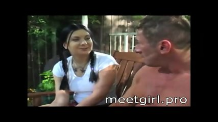 meetgirl.pro Two girls suck cock