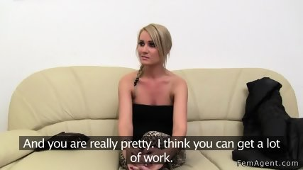 Blonde and female agent masturbates together