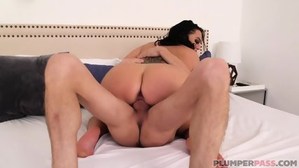 Huge Bitch Rides Cock On Bed - scene 12