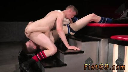 Gay twinks getting fisted Axel Abysse and Matt Wylde bathe each other in a tongue bathtub