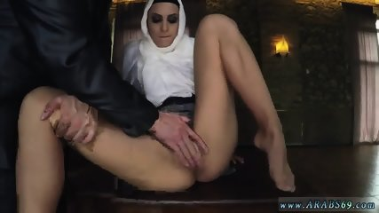 Mutual Cumshot Hungry Woman Gets Food And