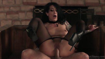 Amazing Hottie Rides Cock