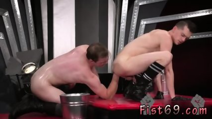 Teen feet fist hard gay and men fucking each other In an acrobatic 69, Axel Abysse stuffs