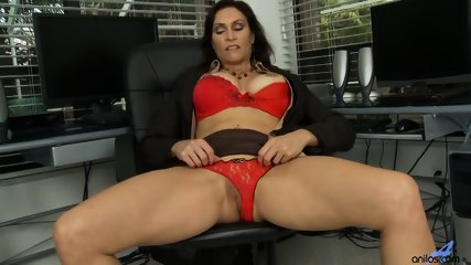 Horny Mommy Plays With Pussy - scene 5
