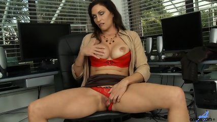 Horny Mommy Plays With Pussy