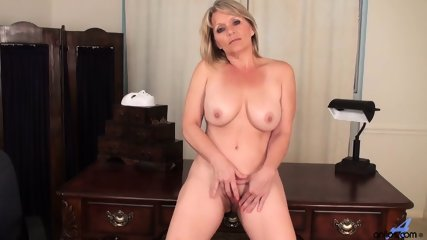 Awesome Mommy Is So Horny - scene 8