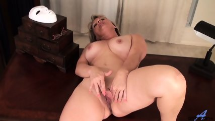 Awesome Mommy Is So Horny - scene 11