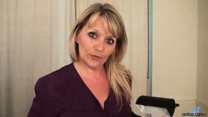 Awesome Mommy Is So Horny - scene 2
