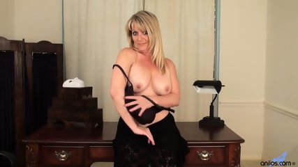 Awesome Mommy Is So Horny - scene 5