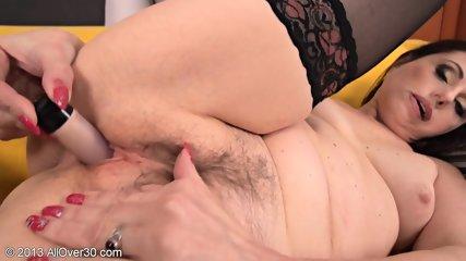 Horny Housewife Presents Her Wet Vagina - scene 11