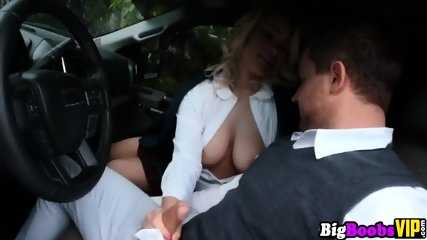 Hadley Viscara pays for a ride with her big natural tits