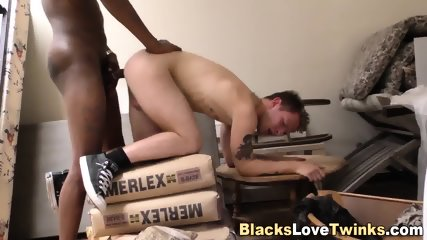 Twinks Ass Gets Blacked