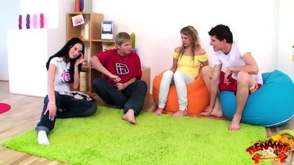 Foursome Sex On Green Carpet - scene 3