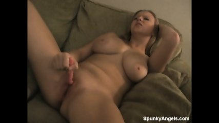 Sweet Girl Stimulates Her Pussy