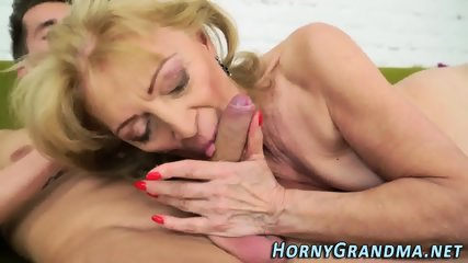 Old gilf gets facialized - scene 8