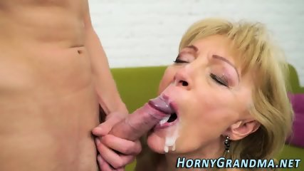 Old gilf gets facialized - scene 12