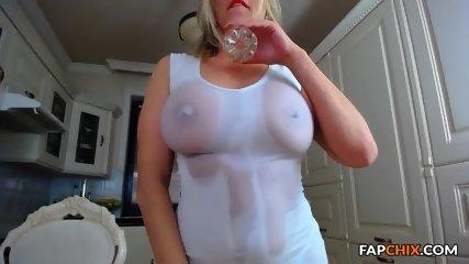 Perfectly Milf Webslut Cam Masturbation - scene 3