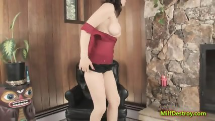 Lusty MILF is playing with a sex toy - scene 4
