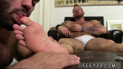 Small gay sex video Some studs were born to be - scene 1