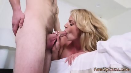 Mom and companion s daughter get anal first time Dont Sleep On Stepmom - scene 11
