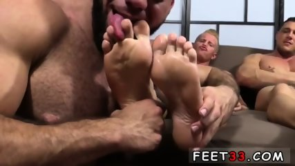 Emo gay sexy feet movie Ricky Hypnotized To Worship Johnny & Joey - scene 9