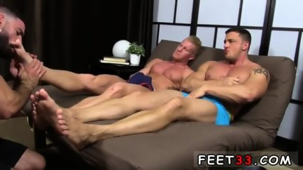 Emo gay sexy feet movie Ricky Hypnotized To Worship Johnny & Joey - scene 6