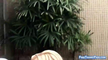 Dude Fucks Blonde Tranny s Butt - scene 3