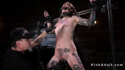 Tattooed brunette vibed and fingered - scene 2