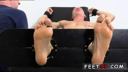 Sleepy male feet worship and hot legs in the air gay Cristian talked about how jumpy he - scene 8