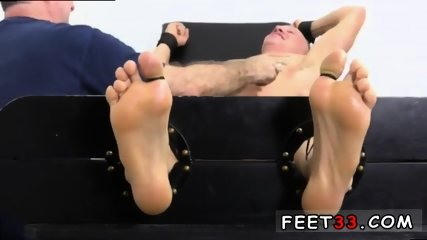 Sleepy male feet worship and hot legs in the air gay Cristian talked about how jumpy he - scene 9