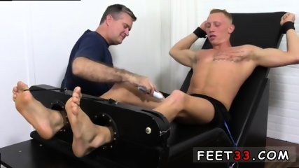 Sleepy male feet worship and hot legs in the air gay Cristian talked about how jumpy he - scene 10