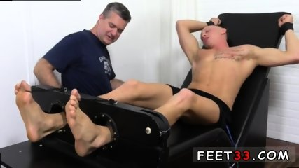 Sleepy male feet worship and hot legs in the air gay Cristian talked about how jumpy he - scene 11