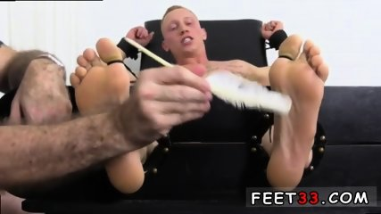 Sleepy male feet worship and hot legs in the air gay Cristian talked about how jumpy he - scene 1
