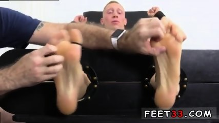 Sleepy male feet worship and hot legs in the air gay Cristian talked about how jumpy he - scene 2
