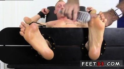 Sleepy male feet worship and hot legs in the air gay Cristian talked about how jumpy he - scene 5