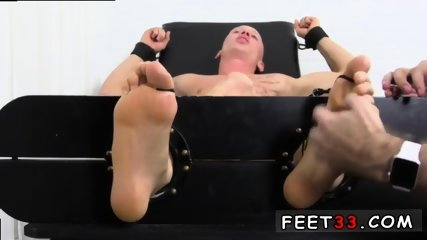 Sleepy male feet worship and hot legs in the air gay Cristian talked about how jumpy he - scene 7