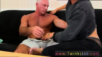 My first fuck whit dad gay time This fantastic and beefy hunk has the killer lad