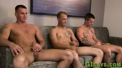 Horny soldiers bareback