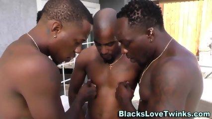 Ebony Group Facialize