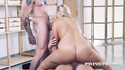 Wild And Curvy Crystal Swift Gets 2 Cocks - scene 12