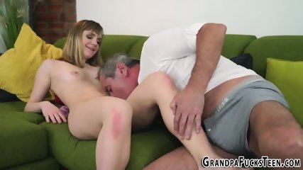 Teen blows perv for cum