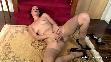 Slut In Pantyhose Rubs Her Wet Vagina