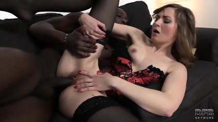 Slut With Corset Rides Black Dong