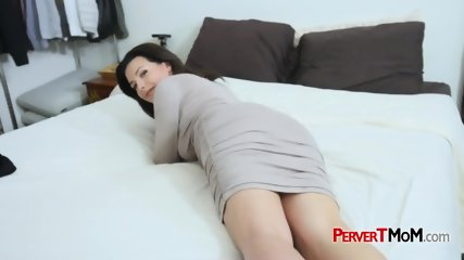 Milf with hairy coochie gets to ride a big hard cock after a pussy lick