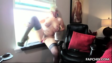 Amazing Milf Coed Squirting Her Cooter