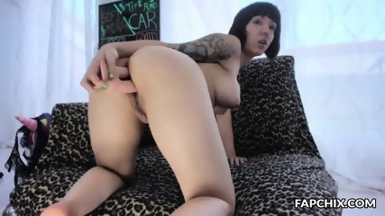 Stunning Busty Webslut Takes Double Penetration With Two Big Dildos